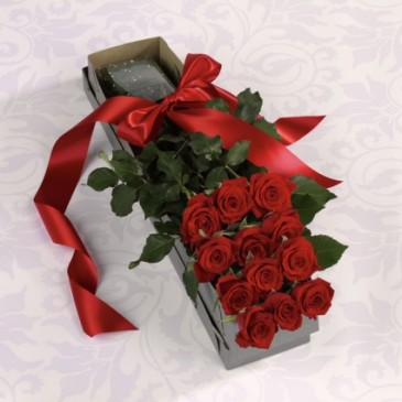 1Dz Red Roses Boxed   Boxed with Bow