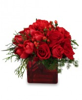 CRIMSON CHRISTMAS Bouquet in New York, NY | TOWN & COUNTRY FLORIST/ 1HOURFLOWERS.COM