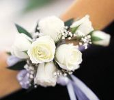 7 Mini Rose Wrist Corsage