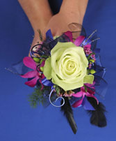 A NIGHT TO REMEMBER Handheld Bouquet in Bath, NY | VAN SCOTER FLORISTS