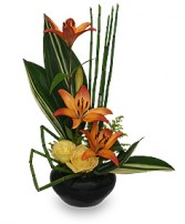 ARTISTIC TRIBUTE Floral Arrangement in Burton, MI | BENTLEY FLORIST INC.