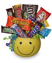 CANDY BOUQUET Gift Basket in New York, NY | TOWN & COUNTRY FLORIST/ 1HOURFLOWERS.COM