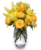GOLDEN SUNBURST of Fresh Flowers in Mount Pleasant, SC | BELVA'S FLOWER SHOP