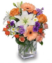 SWEET GEORGIA PEACH Flower Arrangement in West Hills, CA | RAMBLING ROSE FLORIST
