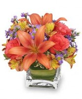 FRIENDLY FALL BOUQUET Flower Arrangement in San Leandro, CA | SAN LEANDRO BANCROFT FLORIST & LYNN'S FLORAL