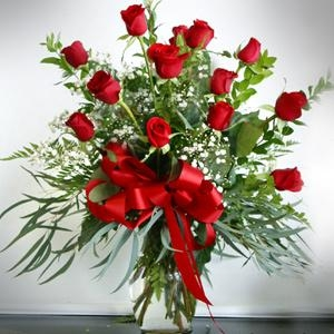 Classy Classic One Dozen Red Roses in Universal City, TX | BLOOMINGTONS FLOWER SHOP