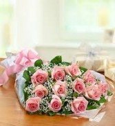 G 1-Dozen colored roses presentation bouquet (Also available in other colors)