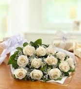 G 3-Dozen roses in a presentation bouquet (Also available in other colors)