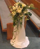 CASCADE PEW MARKER Wedding Ceremony Flowers in Burton, MI | BENTLEY FLORIST INC.