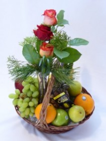 Fruit Roses & Chocolate Gift Baskets.  Fruit & Flowers Bud Vase Gift Baskets.   Roses  Fruit & Chocolates Gift Baskets -   AMAPOLA BLOSSOMS