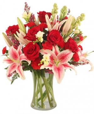 Glamorous Bouquet in Pryor, OK | THE FLOWER SHOP