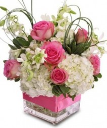 So Pretty in Pink Vase arrangment