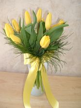 MAID'S TULIP HAND TIED Attendant's Bouquet in East Hampton, CT | ESPECIALLY FOR YOU