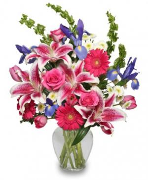 Majestic Magenta Floral Arrangement in Eagle Point, OR | HEAVEN SCENT FLOWERS & GIFTS