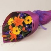 G 2-Mixed flower presentation bouquet (Flowers and colors may vary)