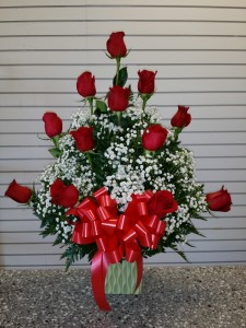 one dozen rose with squar base Birthday in Norwalk, CA | Ana's Flowers