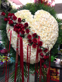 Red Solid Standing Heart with White Roses EF68