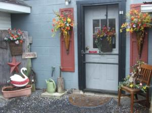 Shop Store Front in Herndon, PA | BITTERSWEET DESIGNS BY LORRIE