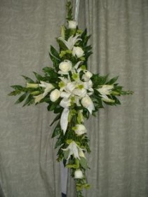 SYMPATHY CROSS SPRAY Spray in East Hampton, CT | ESPECIALLY FOR YOU