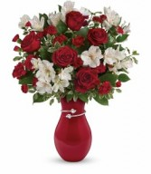 T16V100  Pair Of Hearts Bouquet
