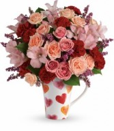 T16V300  Lovely Hearts Bouquet