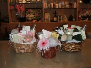 Thymes Custom Gift Baskets in Toronto, ON | THE NEW LEAF FLOWERS & GIFTS