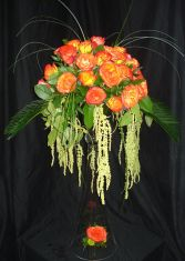 Tres Chic Center/Alter Piece in Austin, TX | PARKCREST FLORAL DESIGN