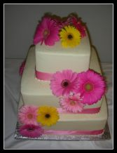 Wedding Cakes in Bracebridge, ON | CR Flowers & Gifts ~ A Bracebridge Florist