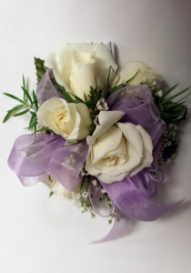 Wristlet WLV Corsage in Chatham, NJ | SUNNYWOODS FLORIST