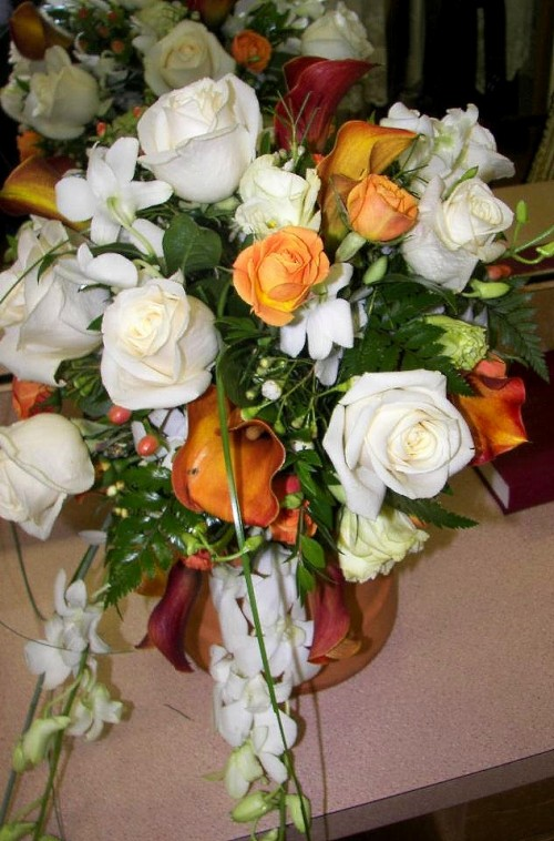 We're a local San Antonio, Texas florist with a lovely variety of fresh flowers and creative gift ideas to suit any style or budget.