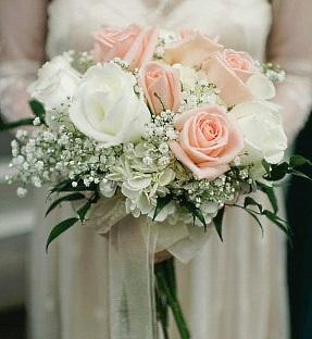 wedding arrangements shadeland flower shop indianapolis in. Black Bedroom Furniture Sets. Home Design Ideas