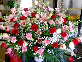 You Can Always Depend On Us To Help You With Ordering Flowers After A  Friend Or Loved One Passes. We Will Design And Deliver Flowers That  Beautifully Convey ...