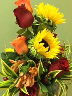 Specializing in Fresh Flowers and Gift Ideas for All Seasons and All Reasons.
