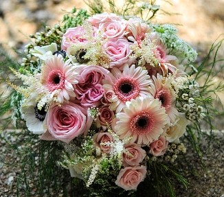 About us enhancements flowers decor dodgeville wi when its time to send funeral flowers you can depend on us to help you choose flowers that beautifully convey your expressions of sympathy and serve as mightylinksfo