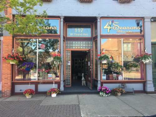 Eau claire florist eau claire wi flower shop 4 seasons florist inc we offer fresh long lasting creative flower arrangements healthy green and blooming plantslocal delivery in the eau clairealtoona area mightylinksfo